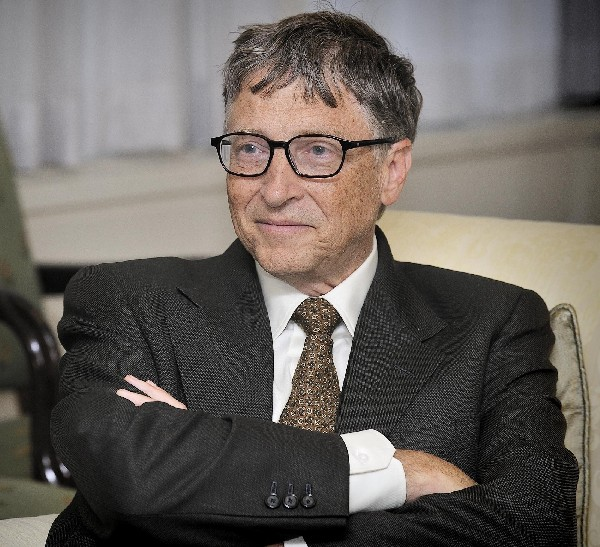 Bill Gates busca invertir en el litio de Catamarca